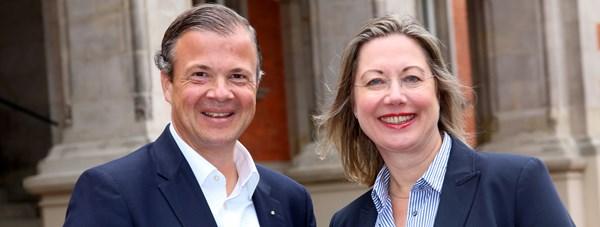 Der stellvertretende und die neue Vorstandsvorsitzende des Wirtschaftsverein Hamburg: Arnold G. Mergell und Franziska Wedemann